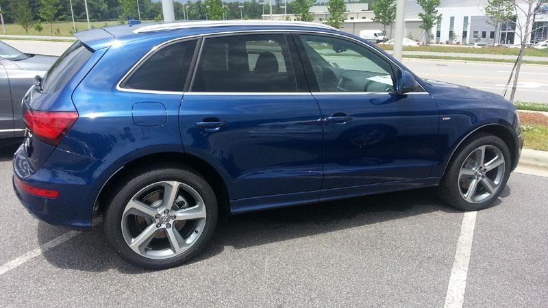 Audi Q7 Scuba Blue